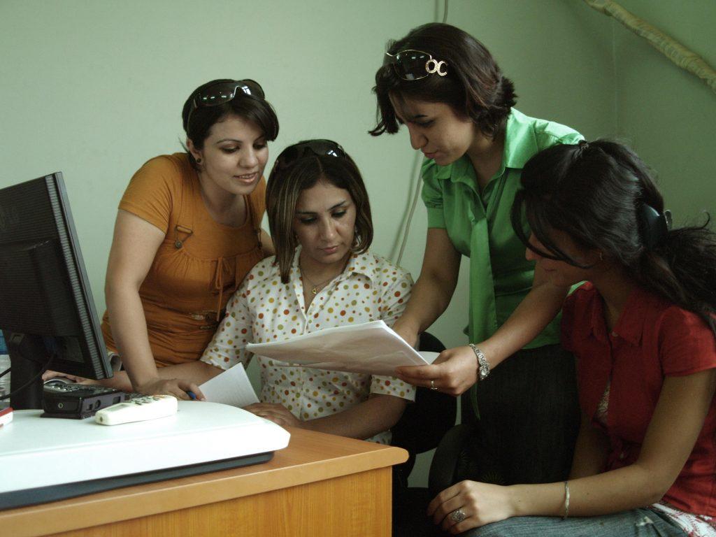 Mit Unterstützung von Wadi wird die Frauenrechtsberatung Wola gegründet
